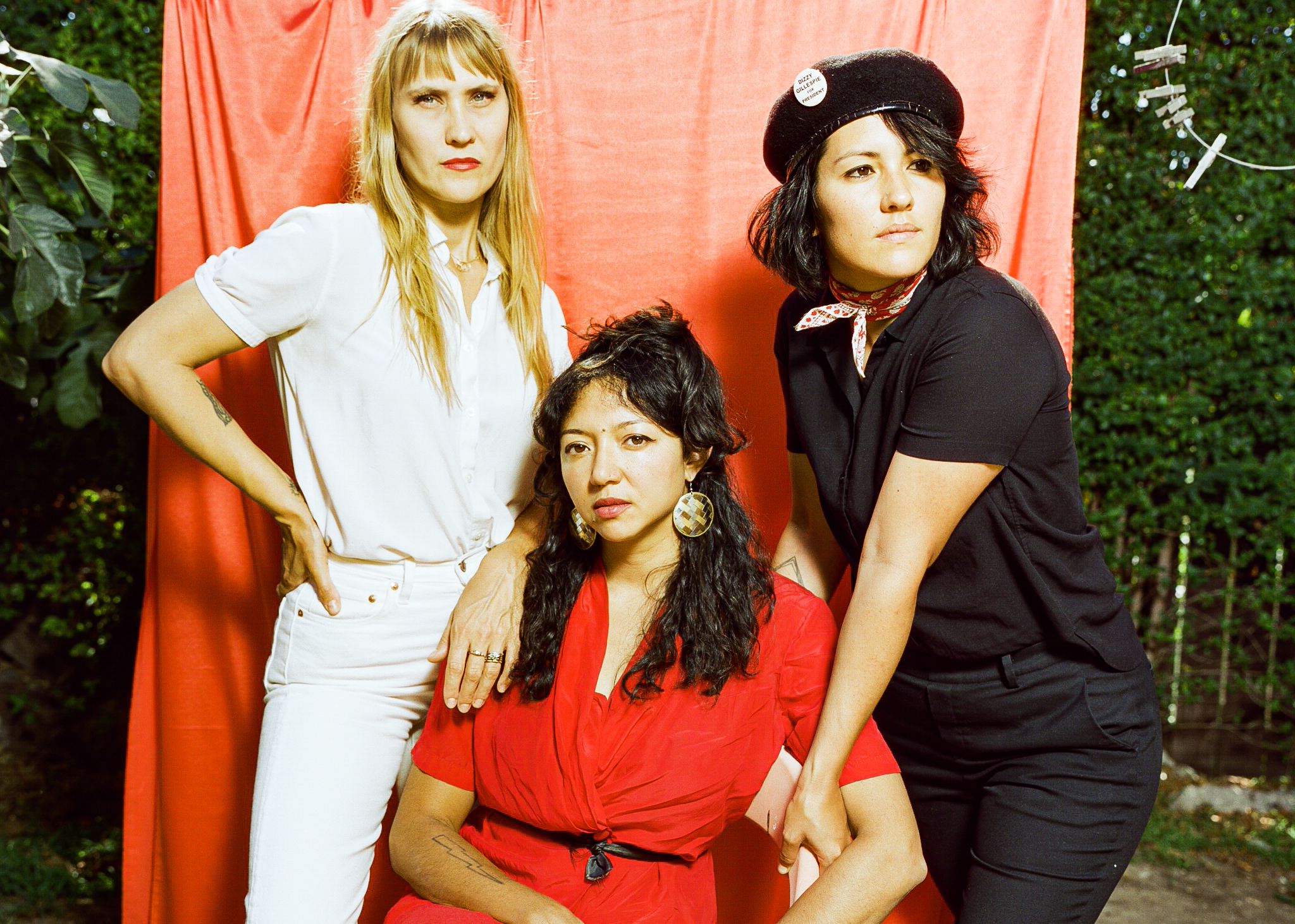 """Featured image for """"La Luz announces new album, drops video for new single """"Watching Cartoons"""""""""""